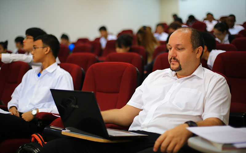 faculty-tab-business-administration
